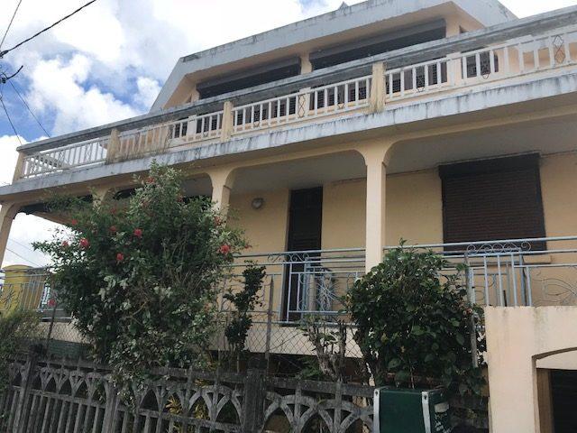 8 pièces 180 m² Saint-Esprit  Maison