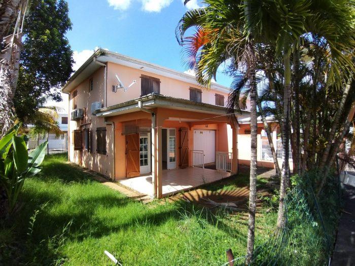 Le Lamentin  90 m² 4 pièces Maison
