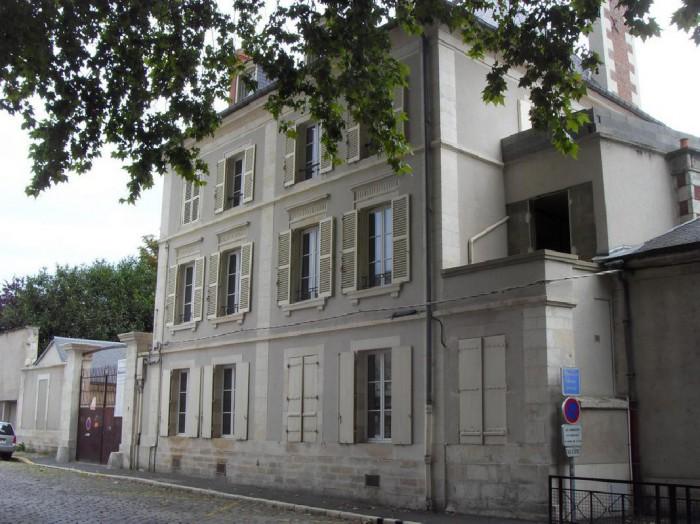 centre ville appartement t2 41 m bourges 18000. Black Bedroom Furniture Sets. Home Design Ideas