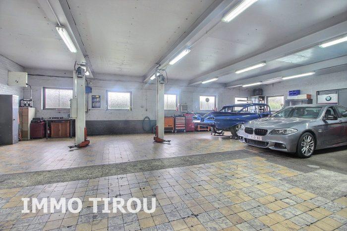 Photo maison avec entrepôt + 4 garages + remise+ maisonette avec piscine + jardin image 23/27