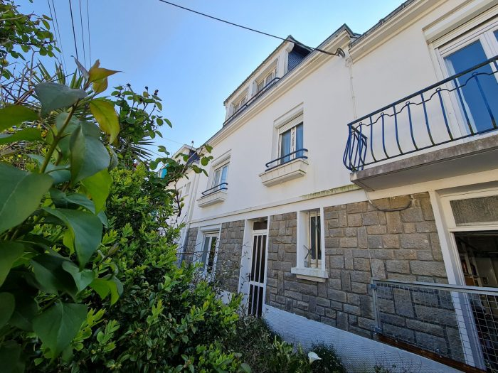 Maison à Riantec    295 000 €