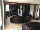 Maison   141 m² 6 pièces