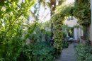 Maison indépendante avec jardin arboré et dépéndance