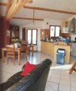 Maison moderne à la campagne avec piscine