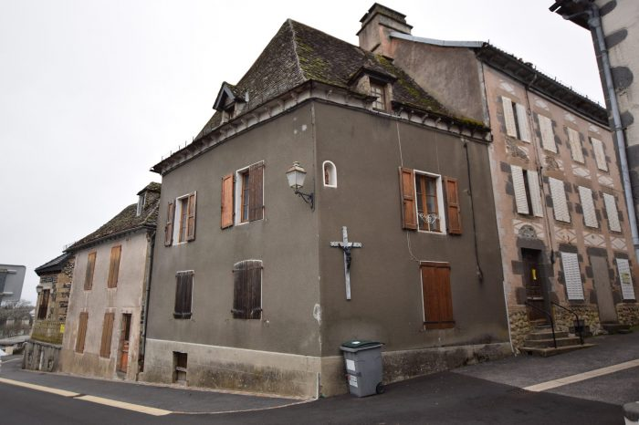 Vente Immeuble PLEAUX 15700 Cantal FRANCE