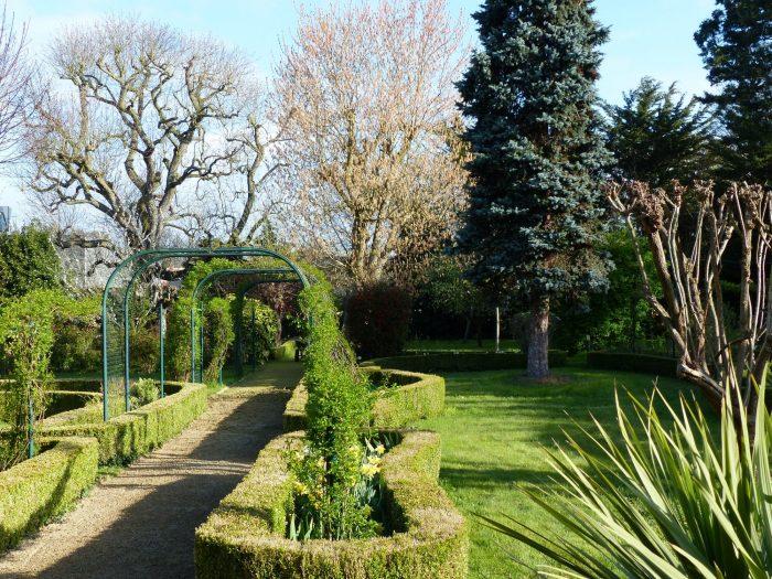 Belle Demeure Avec Jardin Amenage Mb Immobiiler Chateau Gontier