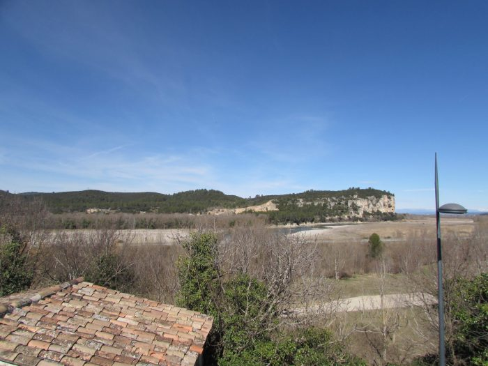 photo de Joli terrain au centre du village