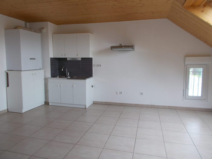 Location annuelleAppartementLES FINS25500DoubsFRANCE