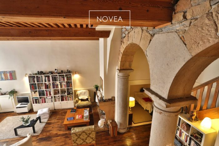 loft 226 m2 au coeur de la croix rousse 5 chambres. Black Bedroom Furniture Sets. Home Design Ideas