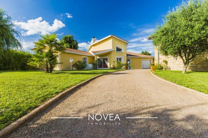 A Vendre Villa 6 Pieces Situee A Les Cheres 69380