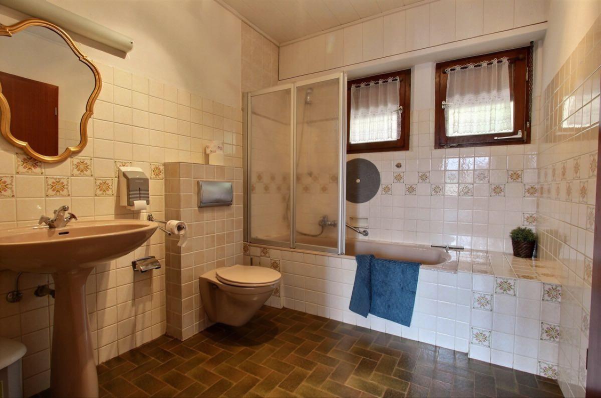6 pièces   179 m² Maison