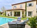 Villa avec piscine dans quartier calme