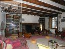 Maison   12 pièces 372 m²