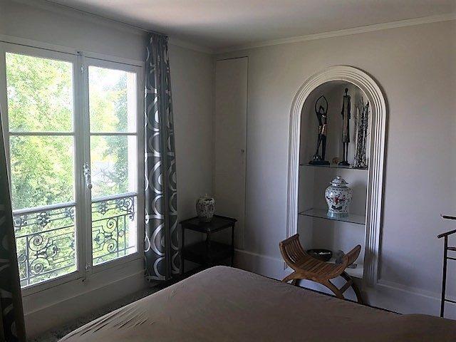versailles nd hoche duplex dernier tage versailles 78000. Black Bedroom Furniture Sets. Home Design Ideas