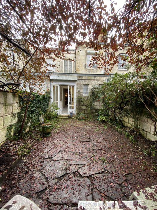 Maison Bourgeoise En Pierre Avec Jardin Cave Croix Blanche