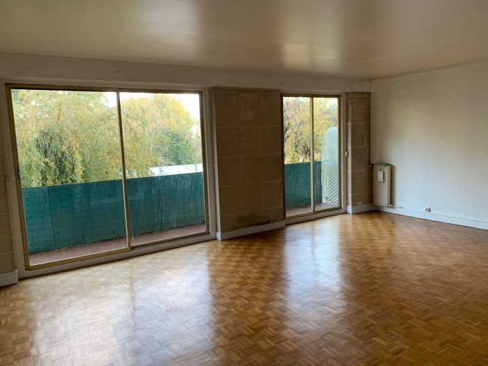 Location annuelle Appartement LE PLESSIS-ROBINSON 92350 Hauts de Seine FRANCE