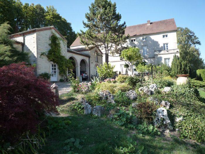 13 pièces 400 m² Maison Dijon Dijon