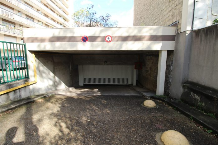 Vente Garage/Parking RUEIL-MALMAISON 92500 Hauts de Seine FRANCE