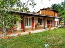 Belle maison traditionnelle avec agrandissement en bois