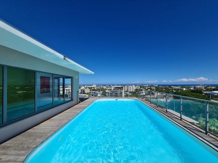 1 bedroom apartment in a residence with pool