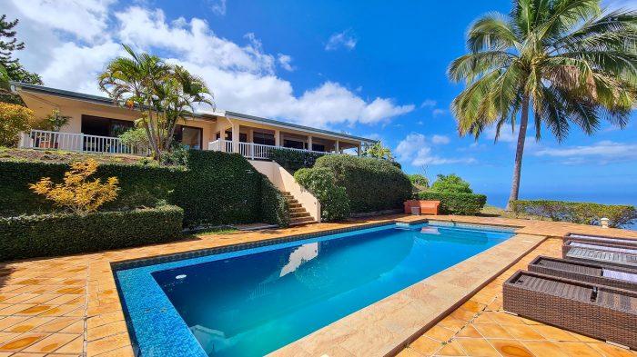 Pool & sea view villa with 4 bedrooms