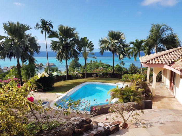 Photo Villa méditerranéenne avec piscine et vue lagon image 3/9
