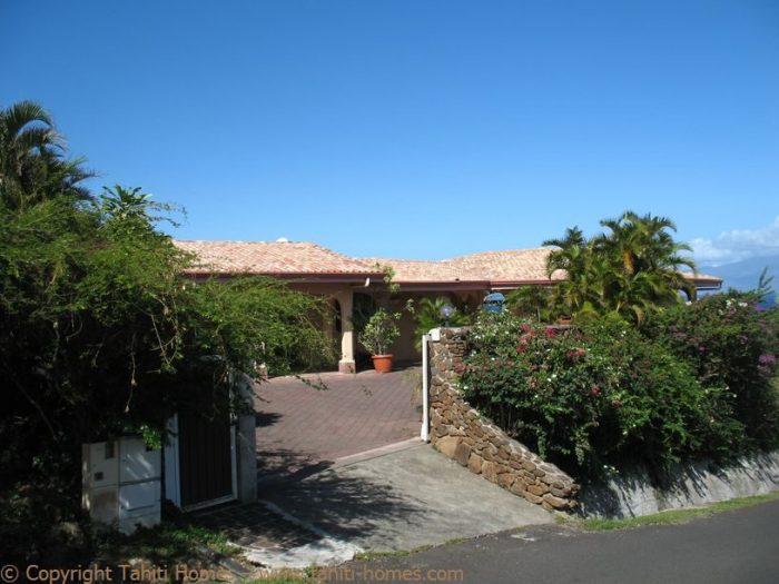 Photo Villa méditerranéenne avec piscine et vue lagon image 5/9