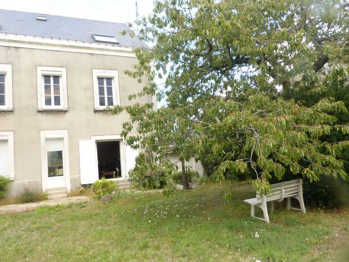À vendre - Maison individuelle, 8 pièces située à Angers (4980)