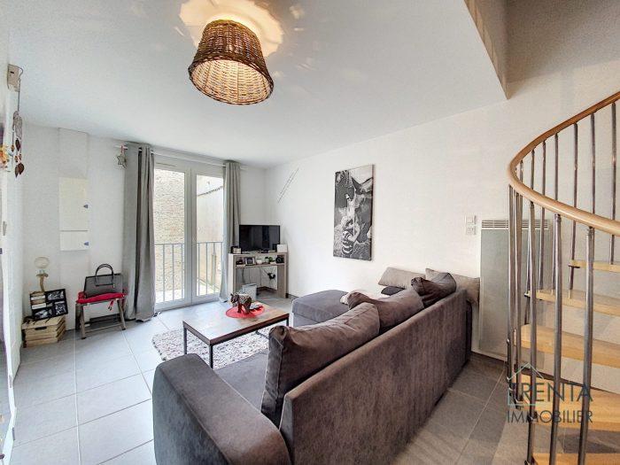 Appartement T3 duplex de 60 m2 avec garage et parking