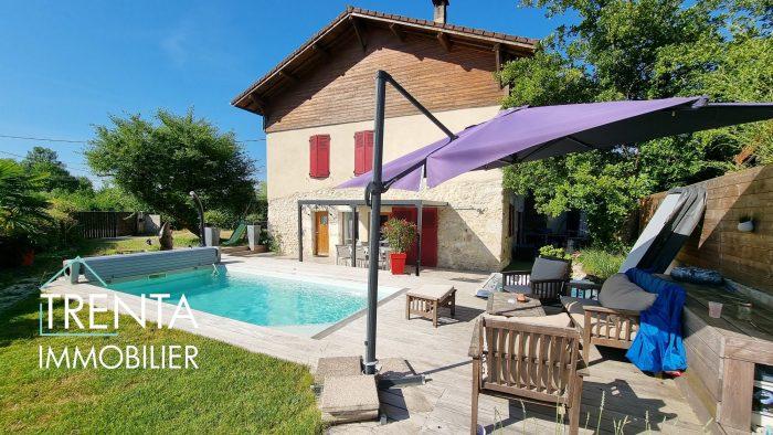 Maison en pierre T6+C de 200 m²