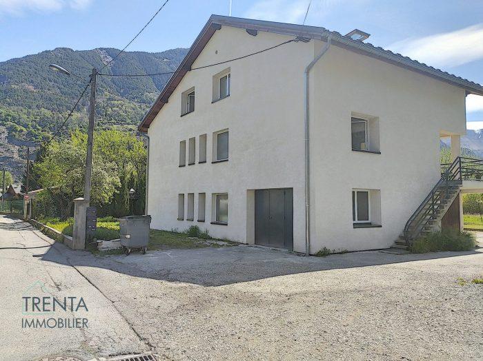 Maison 10 piéces 195 m²