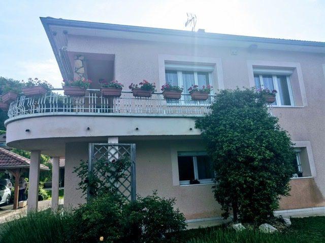 Maison 190 /T8+C  et 1245 M² de terrain
