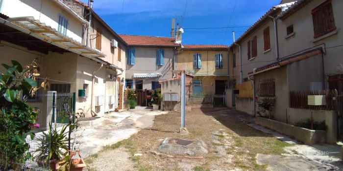 Maison de ville avec extérieur à Saint Henri