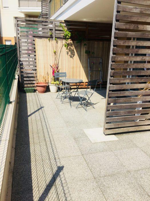 photo de F2 + Terrasse+ Parking immeuble 2012