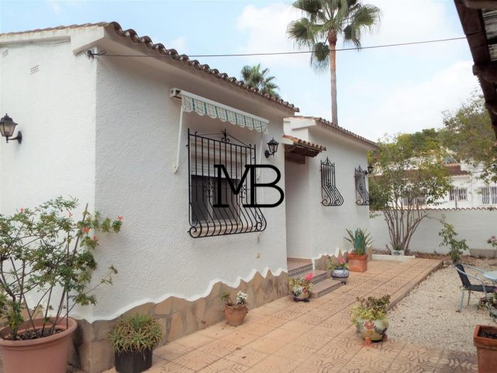 Ref:V00442DM-DOMUSMORAIRA Villa For Sale in Moraira