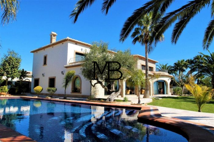 Ref:V00532DM-DOMUSMORAIRA Villa For Sale in Moraira