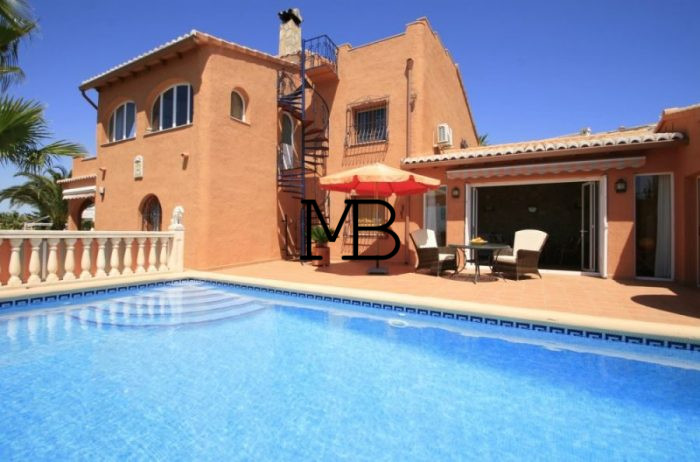 Ref:V00555DM-DOMUSMORAIRA Villa For Sale in cumbre del sol