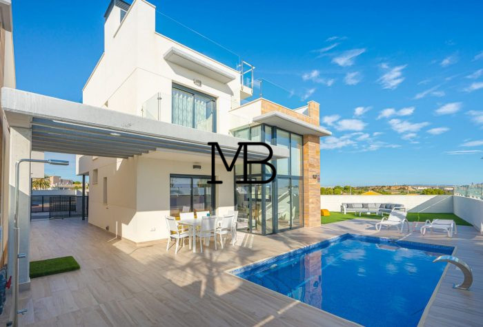 Ref:V00570DM-DOMUSMORAIRA Villa For Sale in Orihuela Costa