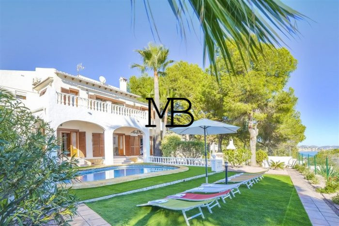 Ref:V00598DM-DOMUSMORAIRA Villa For Sale in Calpe