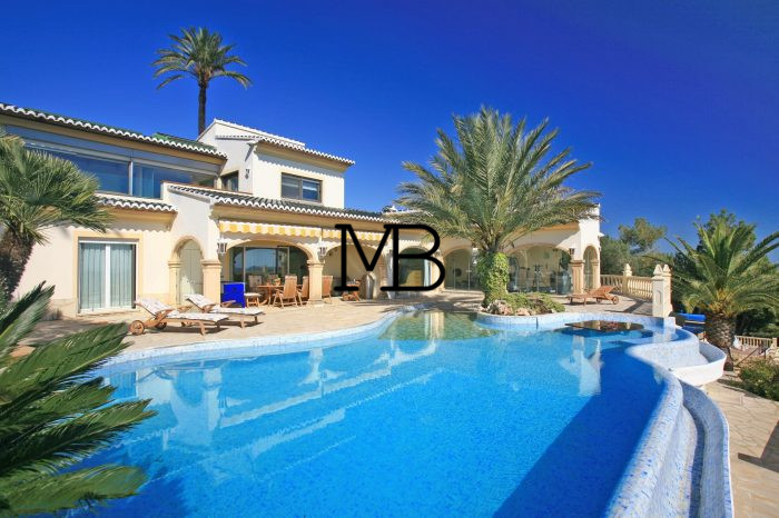 Ref:V00601DM-DOMUSMORAIRA Villa For Sale in Moraira