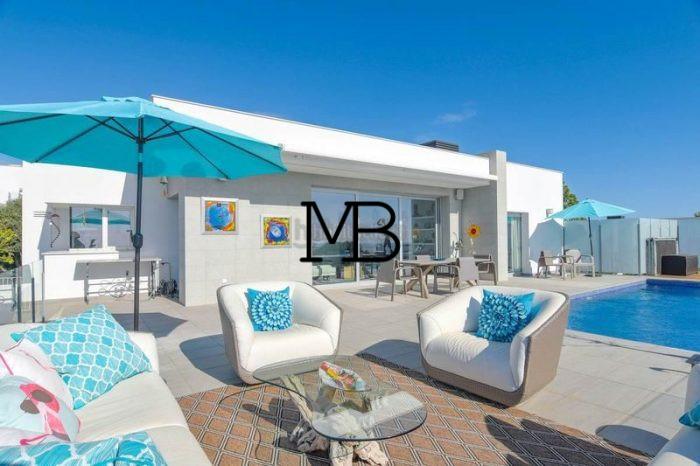 Ref:V00629DM-DOMUSMORAIRA Villa For Sale in Cumbre del sol