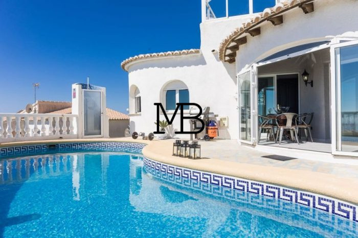 Ref:V00638DM-DOMUSMORAIRA Villa For Sale in Cumbre del sol