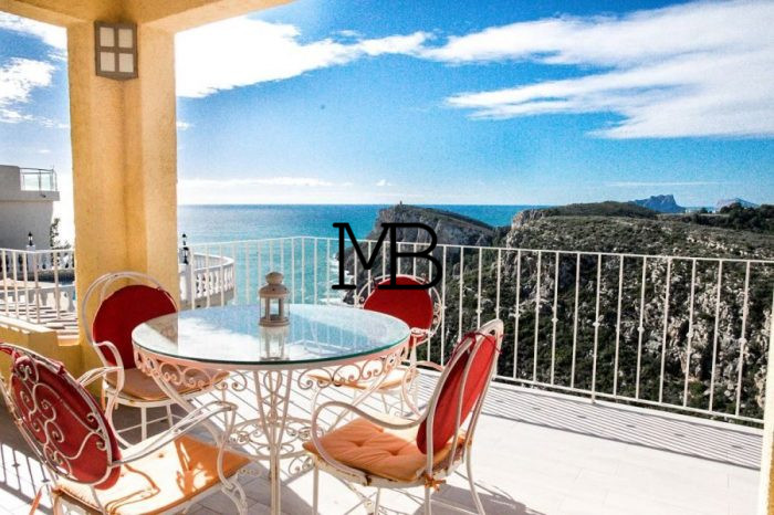 Ref:V00671DM-DOMUSMORAIRA Villa For Sale in Cumbre del sol