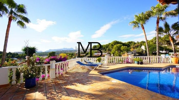 Ref:V00281DM-DOMUSMORAIRA Villa For Sale in Moraira