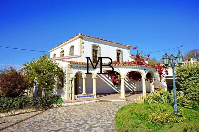 Ref:V00317DM-DOMUSMORAIRA Villa For Sale in Moraira
