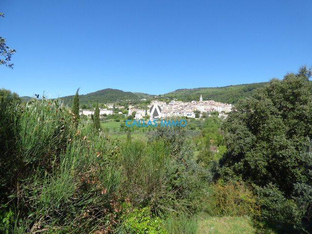 photo de CALLAS terrain constructible 1950 m²