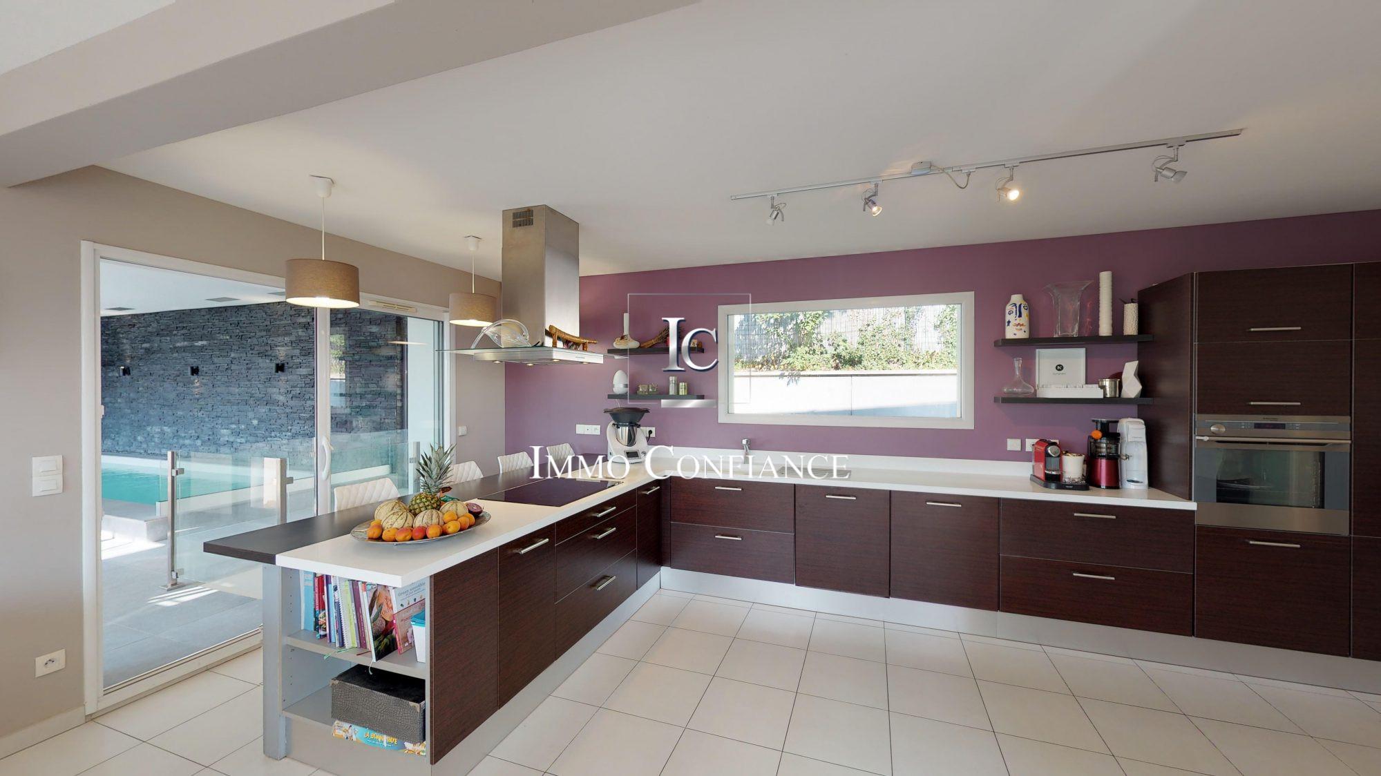 A Vendre Maison Contemporaine 7 Pieces Situee A Crozet 01170