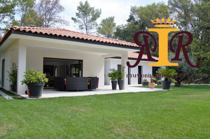 Maison contemporaine Aix-en-Provence 202 m²