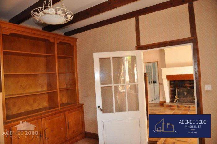 Proche aubeterre belle maison de village 5 chambres for Agence immobiliere 2000 barbezieux