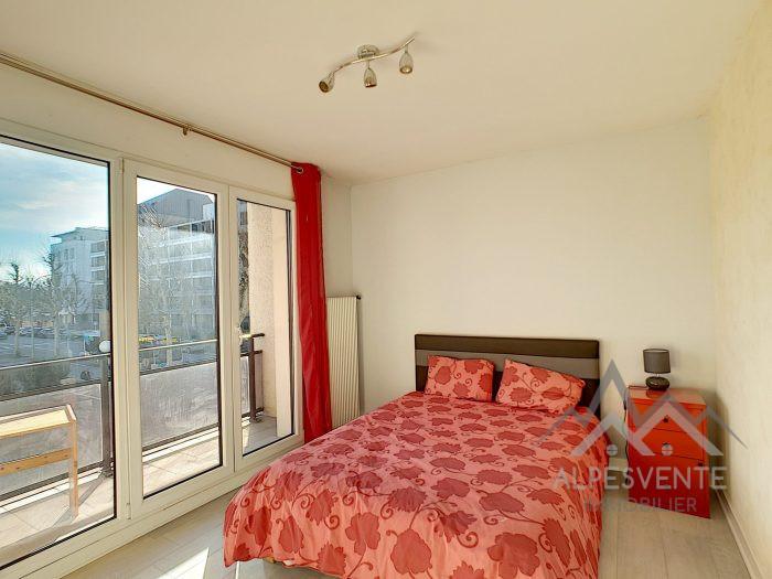 t4 annecy proche tous commerces et acces autoroute. Black Bedroom Furniture Sets. Home Design Ideas